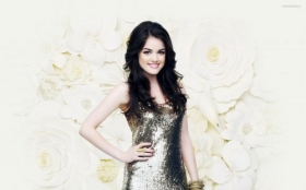 Lucy Hale 024
