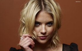 Ashley Benson 016