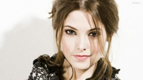 Ashley Greene 012