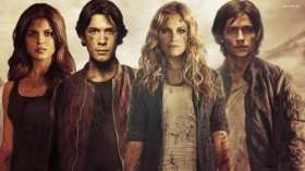 The 100 010 Octavia, Bellamy, Clarke, Finn