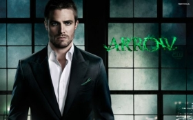 Arrow 002 Stephen Amell, Oliver Queen