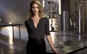Arrow 016 Emily Bett Rickards, Felicity Smoak
