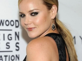 Abbie Cornish 006