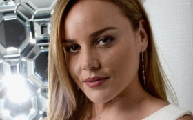 Abbie Cornish 015