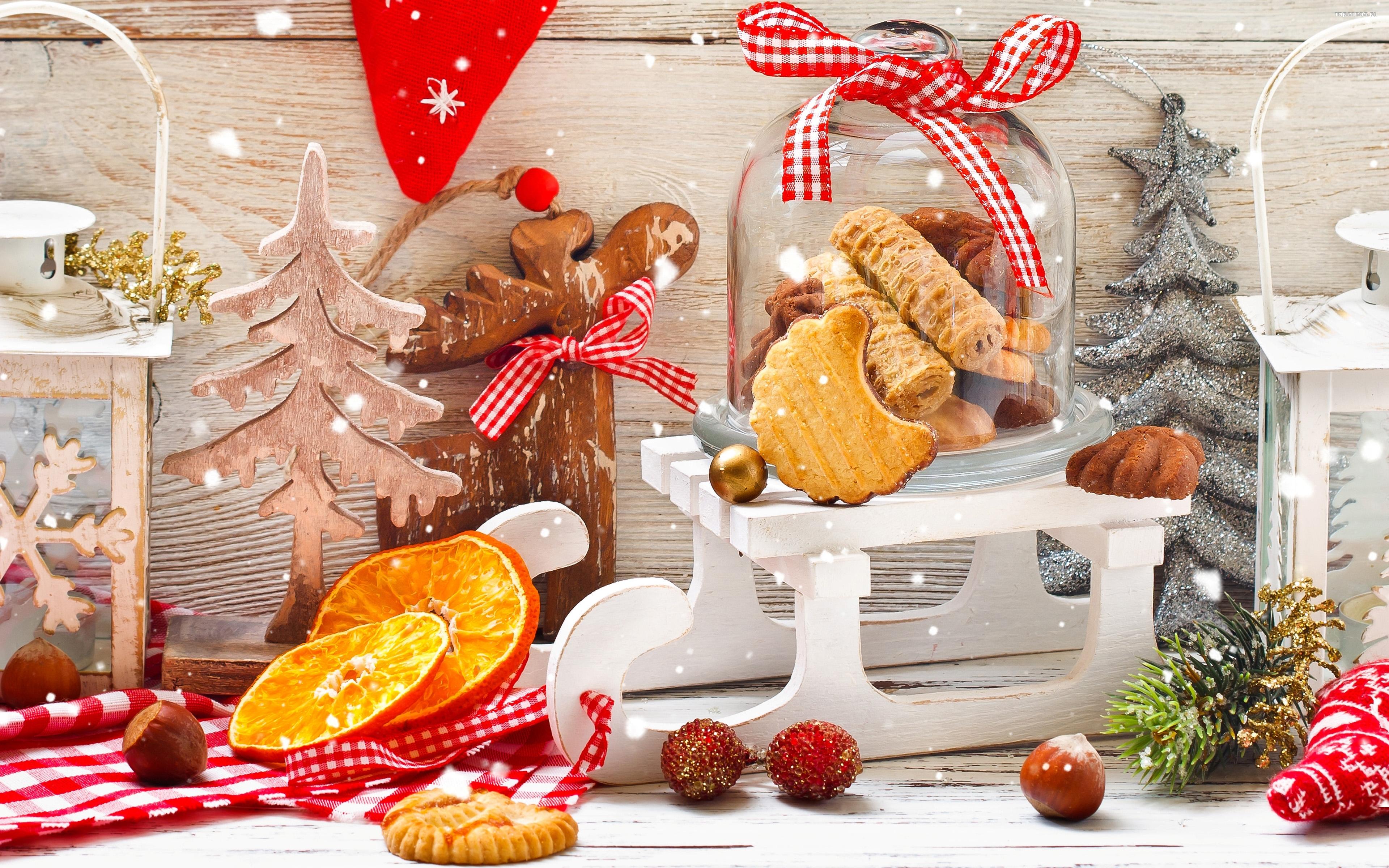 Swieta, Boze Narodzenie, Christmas 3840x2400 046 Sanie, Ciastka, Pomarancza, Orzechy, Sloik ...