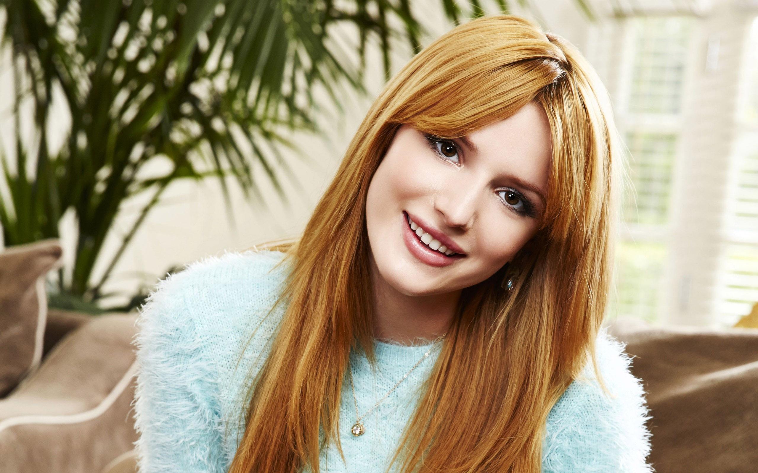 Życiorys Bella Thorne urodziła się na Florydzie Ma troje rodzeństwa brata aktora Remyego oraz dwie siostry modelki Dani i Kaili Pierwszą sesję